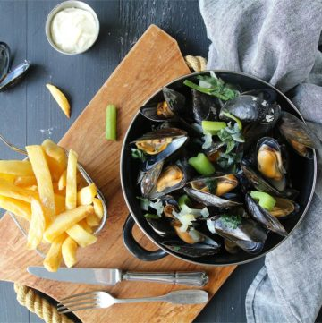 Moules marinières et frites belges