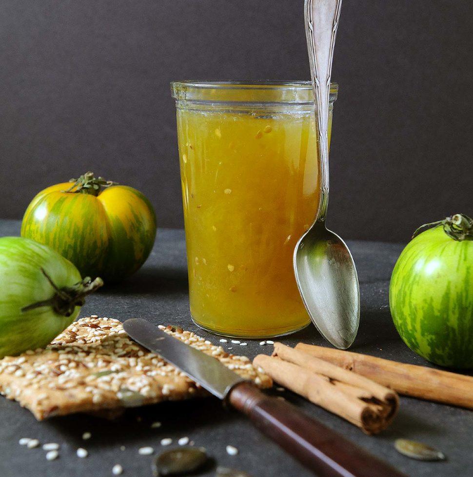 Une recette de confiture de tomates vertes à la cannelle