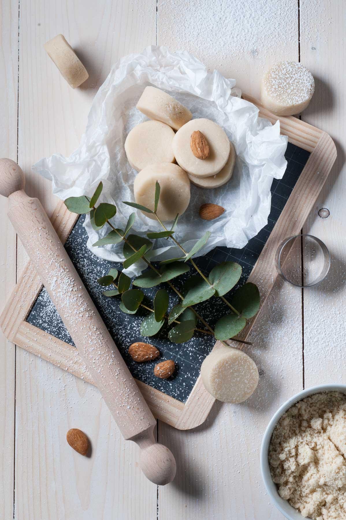 Une recette de pâte d'amande (massepain) à l'eau de fleur d'oranger.
