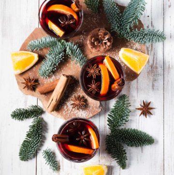 Vin chaud aux épices de Noël
