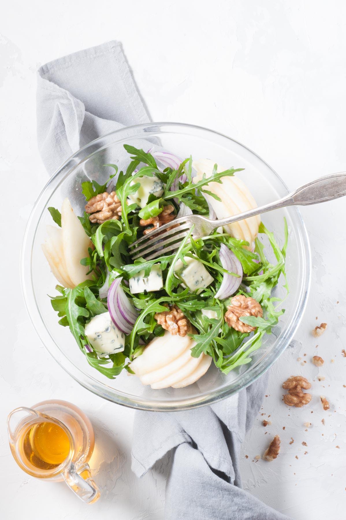 Salade de poires au fromage bleu