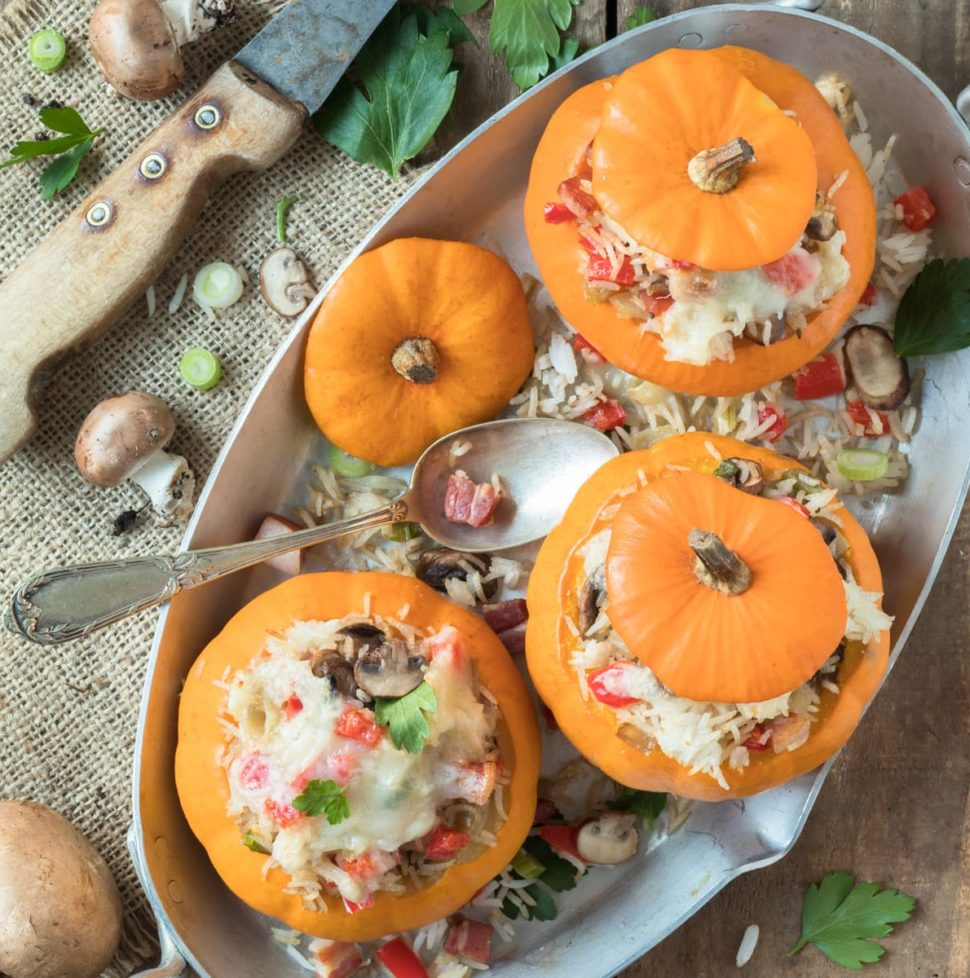 Mini courges farcies de riz aux champignons et à la pancetta